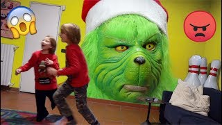 GRINCH vs KIDS : Escape Babysitter and Save Xmas - Escape the room - Canale Nikita