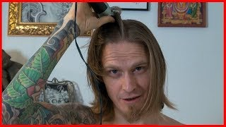 Artist SHAVES HEAD couse he's lazy