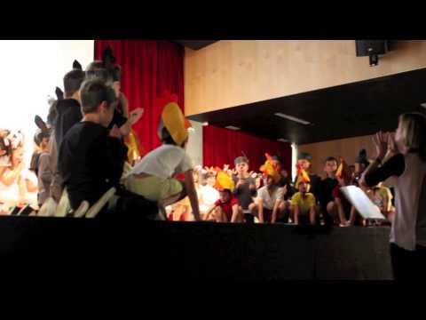 Festa de fi de curs 2013-14 (El llop i les 7 cabretes)