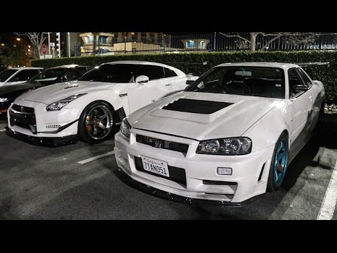 Crashing A Car Meet With An R34 GTR!!