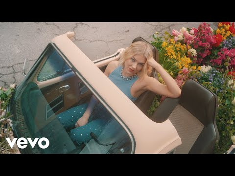 Astrid S - Dance Dance Dance (Official Music Video)