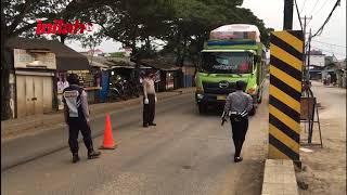 Covid-19: Posko Untuk Memantau Pengguna Jalan Di Kosambi - inilah.com