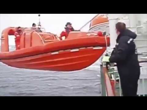 boat-launch-fails-compilation---what-happens-when-boats-crash