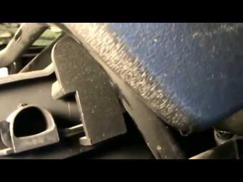 Citroen C3. Desmontar Extraer Asientos Delanteros. Video 2 De 20. Remove Front Seats.