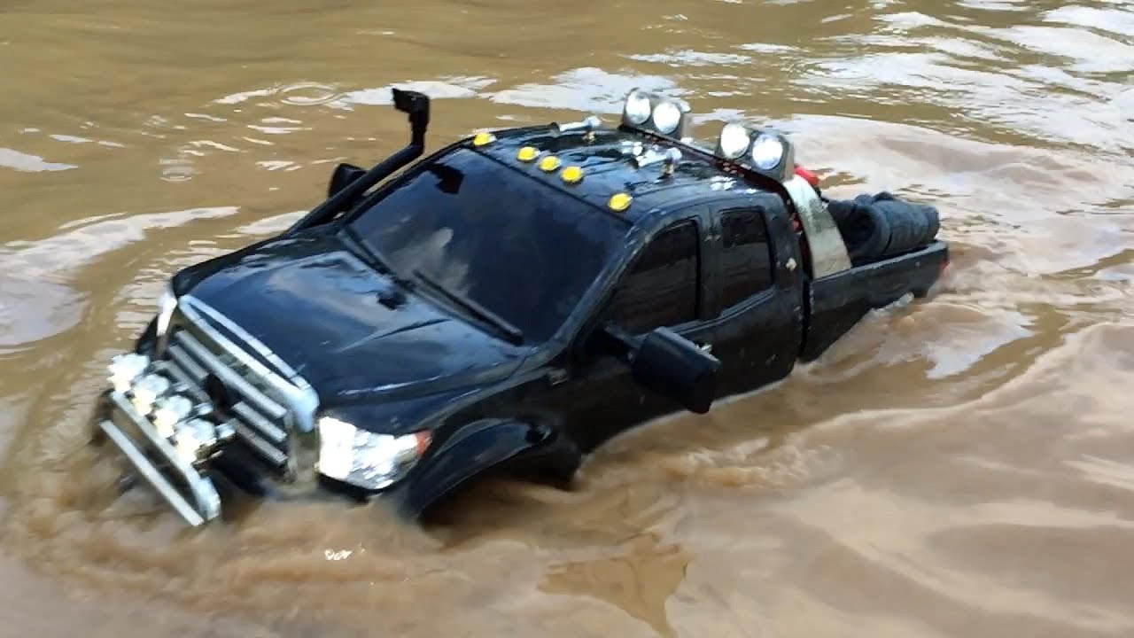 "2019 Toyota Tacoma >> Tamiya Toyota Tundra Highlift brushless as ""SUBMARINE"" !!! - YouTube"
