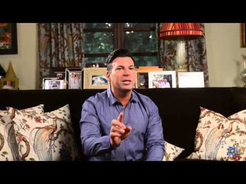 David Tutera Educates on The Processional and Recessional Details for a Bridal Party