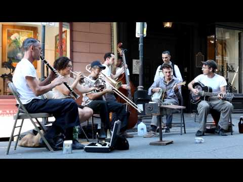 The Loose Marbles - New Orleans Street Band in HD 1080