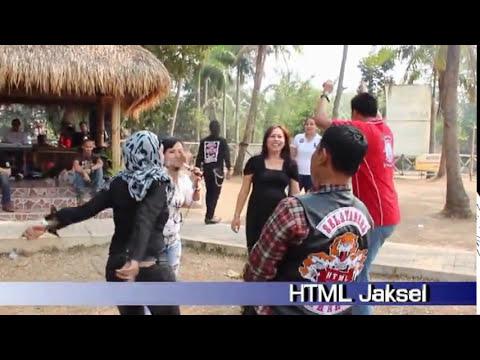 Family Gathering HTML SELATANERS