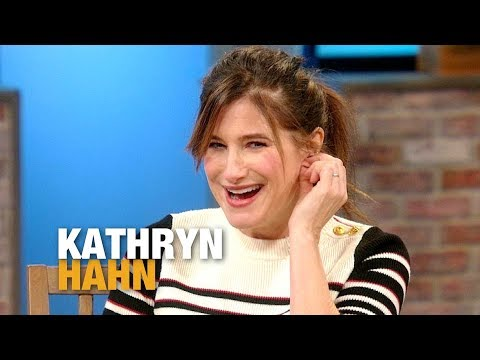 Kathryn Hahn Reveals How She Convinced Susan Sarandon to Play Her Mother in