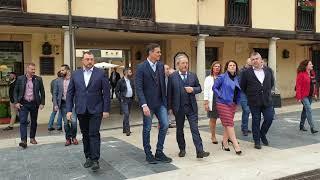 Pedro Sánchez visita la plaza del Fontán en Oviedo