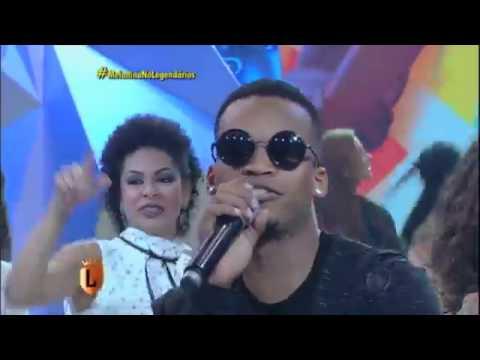 """Melanina Carioca domina palco com """"Deixa se Envolver"""""""