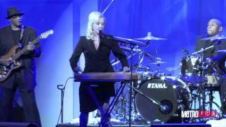 "Baixar Cyndi Lauper sings ""Time After Time"" at the 2011 HRC Dinner"