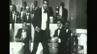 Sammy Davis Jr impersonates Dean Martin.