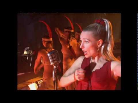 Kari Matchett singing on 'A Nero Wolfe Mystery'