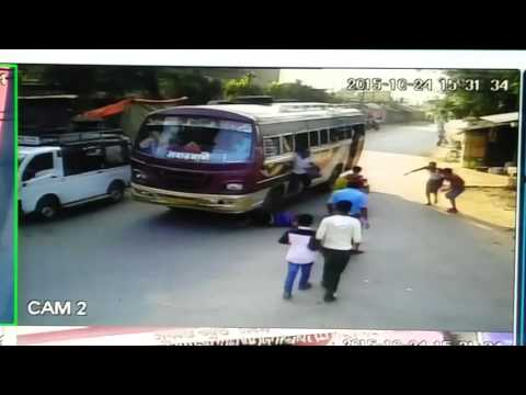 live accident death in Sukantapark Hooghly