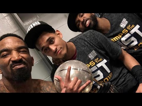 """Cleveland cavaliers singing meek mill's """"Dreams & Nightmares"""" in the locker room after the win 🔥"""