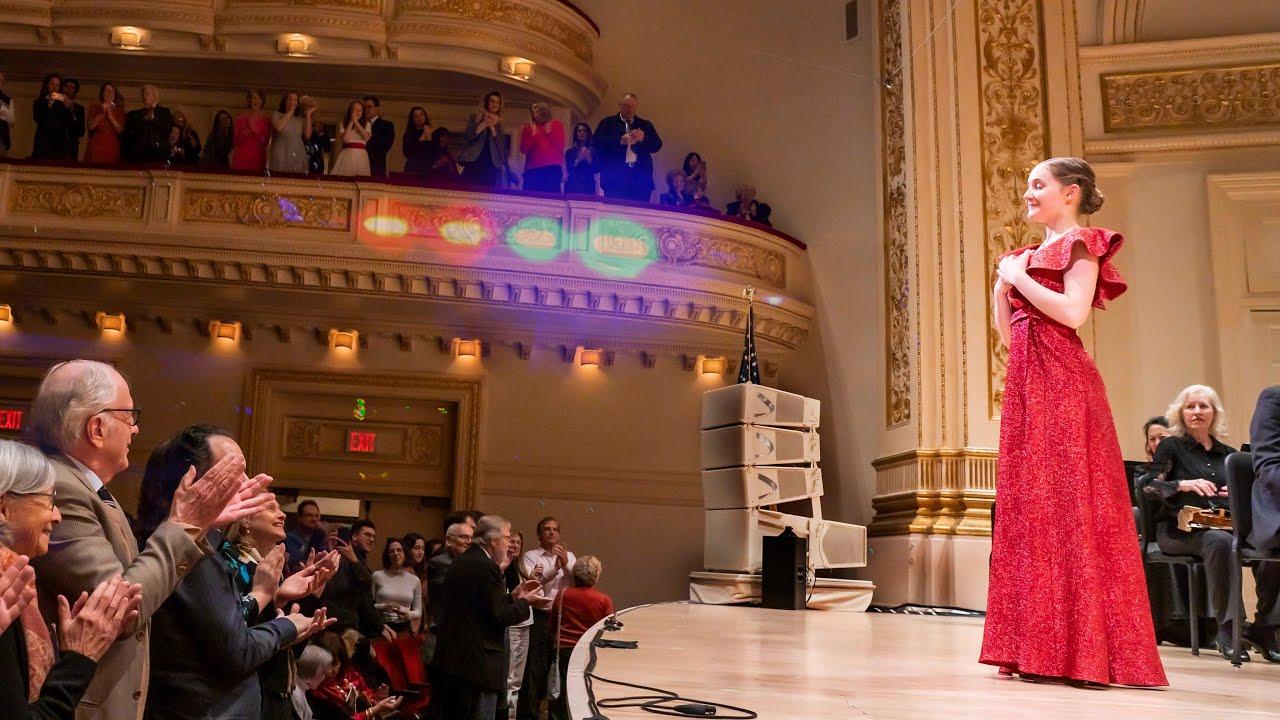 """Résultat de recherche d'images pour """"Siren Sounds Waltz by Alma Deutscher, Carnegie Hall, Dec 2019"""""""