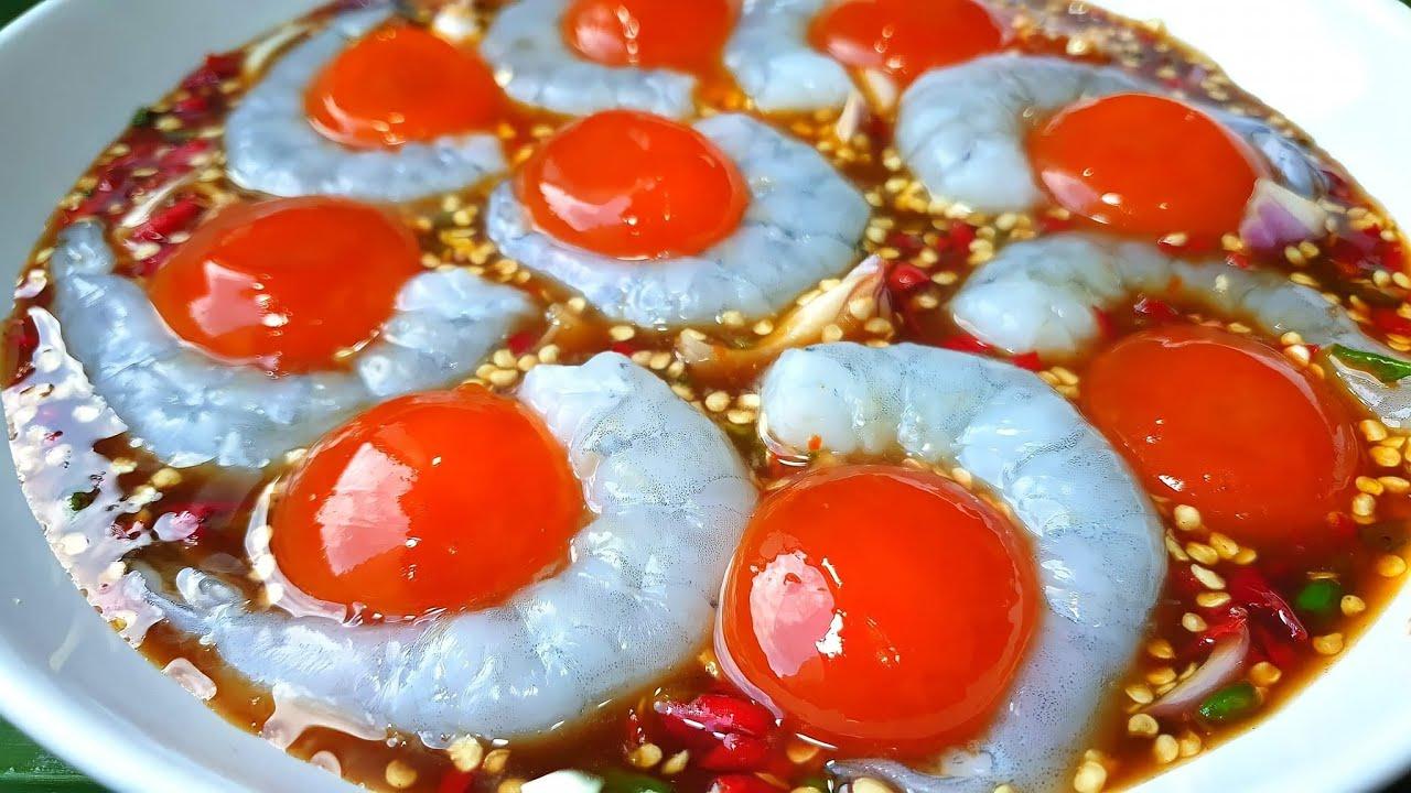 886 ยำกุ้งแก้วไข่ดองน้ำปลา ปลาร้านัวๆ Spicy salad shimp and York egg in fish sauce