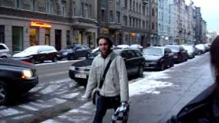 Kerli Diamond makes fun on streets