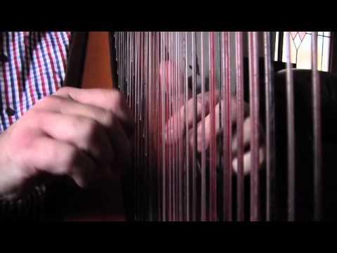 06 Tunechain : Clustfeiniau - Robin Huw Bowen