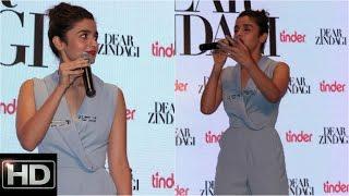Alia Bhatt Sings Ae Zindagi Gale Laga Le Live At Dear Zindagi Promotions With Tinder