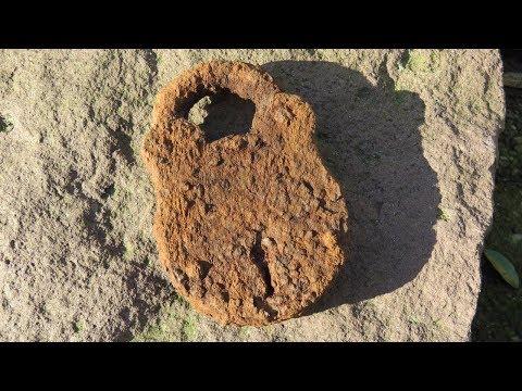 Metal Detecting - Cleaning iron relics: Electrolysis