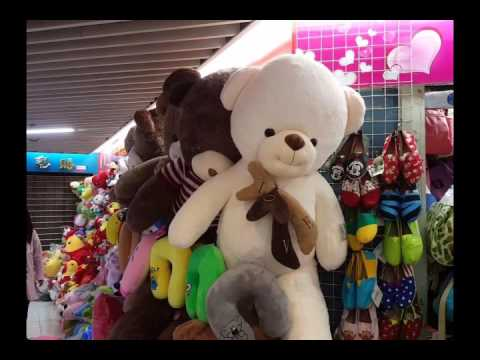 Wholesale toys market in Guangzhou on Yide street
