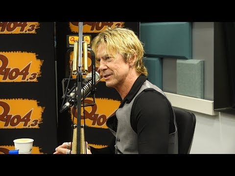 "Guns N' Roses' Duff McKagan Shows His ""Tender"" Side To Jim Kerr"