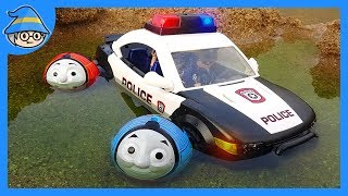 Thomas train and friends became police car wheels. Rescue the police officer.