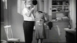 """W. C. Fields Shaving Scene from """"It´s A Gift"""" (1934)"""