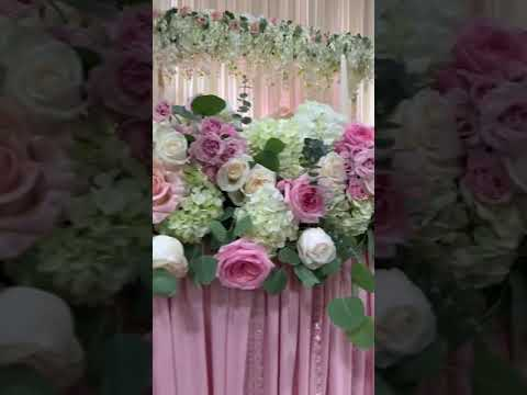 whimsical-elegant-sweetheart-table-decor-floral