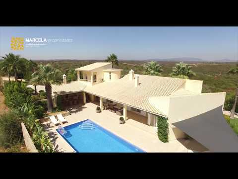 Gorgeous Villa in Bensafrim