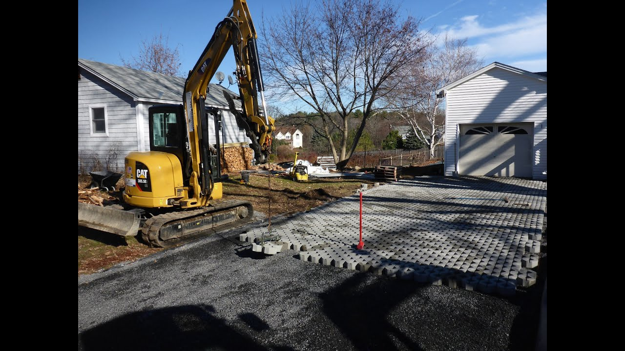 Laying Pavers With Mini Excavator And PaveTool Clamp
