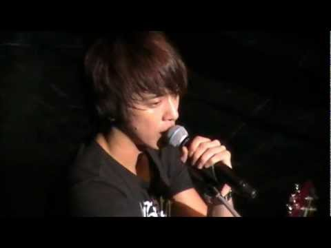 CNBlue Speaking English at their London Concert