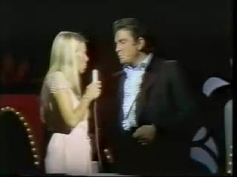 Joni Mitchell-Girl of the North Country (Johnny Cash Show)