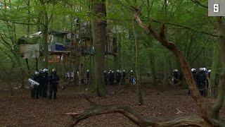 """Hambacher Forst: Polizei will Baumhaus-""""Dorf"""" räumen"""