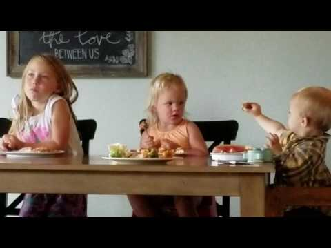 Joella eats with Aubrey and Everett Cook