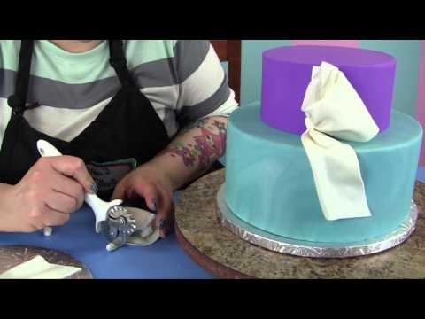 Andrea's Sweet Tips #2: Tied bow tutorials