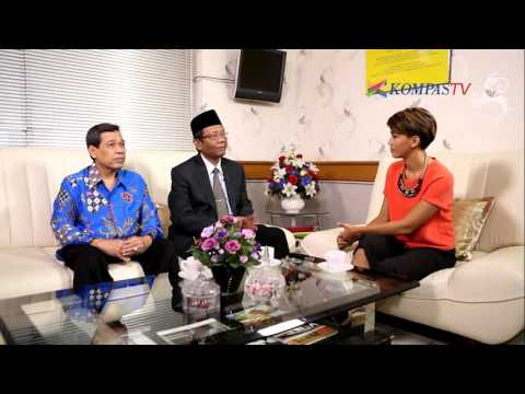 Kunci Utama Berantas Korupsi - A Day With eps Mahfud MD