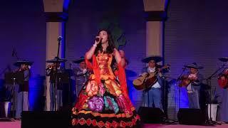 Ovación de Pie! Gabriela Sepúlveda (19 años) Anaheim Mariachi Festival Cucurrucucu y Aires del Mayab
