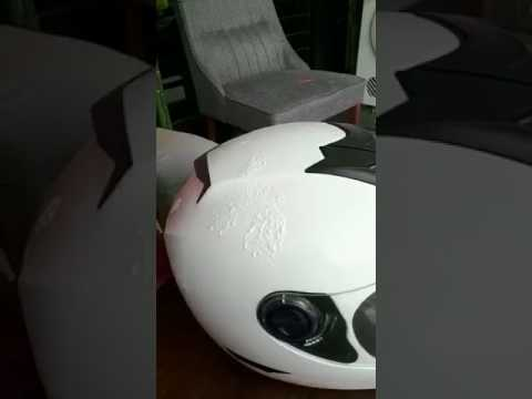 Cara Terbaik Mengilatkan Helmet - Berkilat Macam Baru