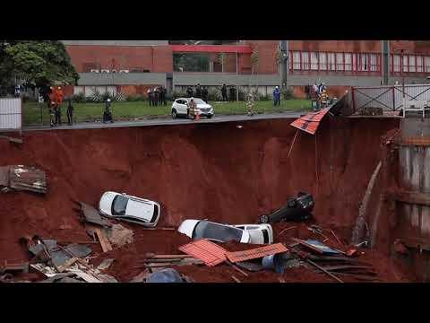 حفرة عملاقة تبتلع السيارات في البرازيل  - نشر قبل 52 دقيقة