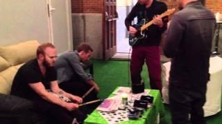 Скачать Hurts Like Heaven Madrid Dressing Room Coldplay