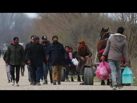 Pazarkule'den dönmek zorunda kalan göçmenler Covid-19 salgınında neler yaşıyor?