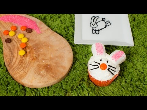 basteln zu ostern eier f rben eier bemalen eier anmalen doovi. Black Bedroom Furniture Sets. Home Design Ideas