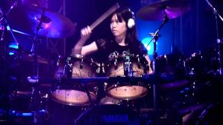 Senri, 13 years drummer girl. Live at SUNPHONIX HALL (Shin-Yokohama...