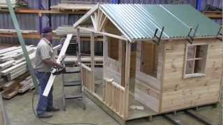 How To Build A Cubby House (roof Part 2.mts)