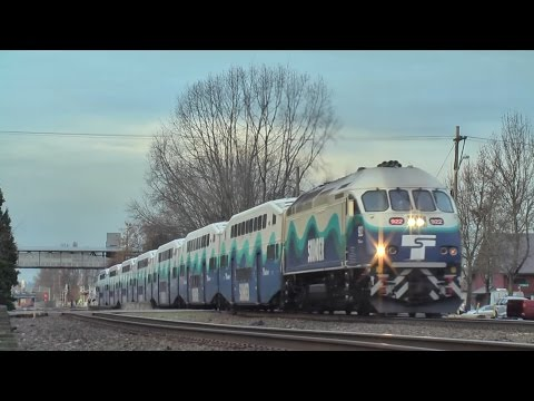 Sounder commuter rail at Kent station 2016.12