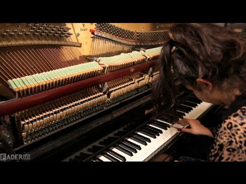 Charli XCX - Studio Time (Episode 18)