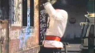 Kannin Dragon espancando  Jiraiya no estilo xD